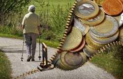 Жителей Астраханской области старше 80 лет освободят от уплаты взносов на капремонт